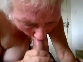 Gjysh thith i ri kokosh dhe shkoj spermë në gojë