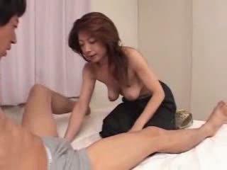 Jepang dewasa adalah lapar untuk seks video
