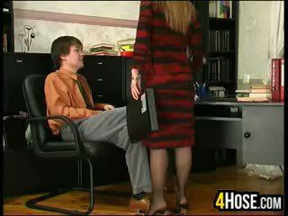 الروسية أم مارس الجنس بواسطة ابن في القانون