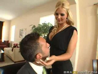 Tuyệt vời busty cô gái tóc vàng vợ với to ass gets thằng khốn toyied với một ly dương vật giả