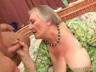 מאוד ישן חזה גדול סבתא enjoying חם סקס
