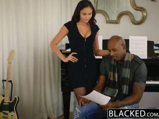 Blacked pop zvaigzne ariana marie pirmais starprašu