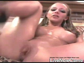 裸体 squirts 在 bowl 上 生活 凸轮