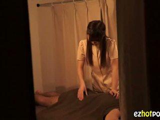 Ezhotporn.com - крихітна japanaese шльондра looks для секс
