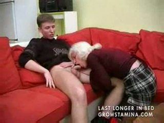 Gjysh me saggy cica gets fucked part1