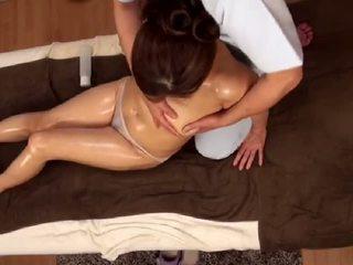 Unwanted cực khoái trong khi massage