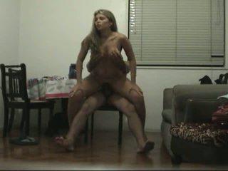 Patiešām karstās mazulīte jāšana dzimumloceklis par the krēsls video