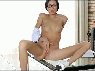 Besar dildo/ alat mainan seks remaja bermain