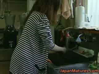 Japonské milfka enjoys príťažlivé sex