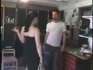 Itu mechanic gave sebuah kaya arrogant wanita jalang apa dia deserves