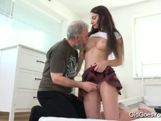 Oud goes jong - nakita has de meest verbazingwekkend seks