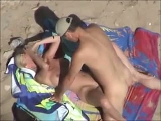 Very nice couple -beachfucking
