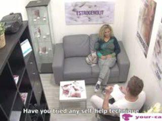 Cseh bevállalós anyuka linda fisted