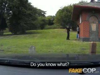 Fake polisi anal seks di itu barn yard