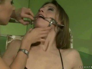 Školáčka punishing a slavegirl