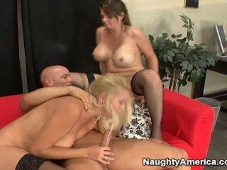 Oustanding tittie blondīne milfs būt erotisks 3 daži nearby sons mate
