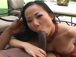 Красуня азіатська niya gets еякулят всі над її обличчя