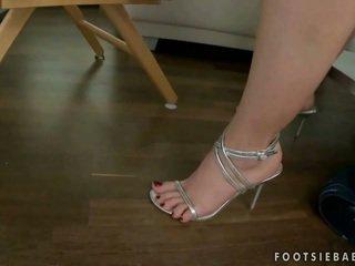 pijpbeurt, hoge hakken, voet fetish