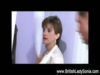 fun british, čevlji, babica si