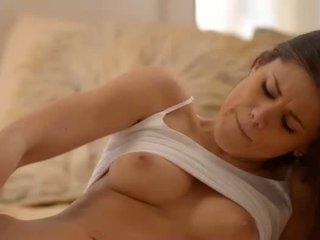 Unbelievable krūtainas skaistule dildoing