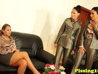 Classy pissloving lesbians wam in threeway