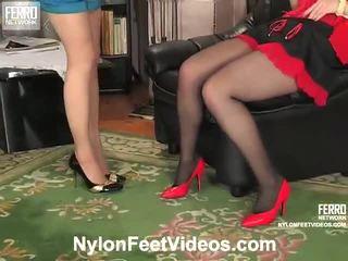 Ninon et agatha coquin bas pieds film action