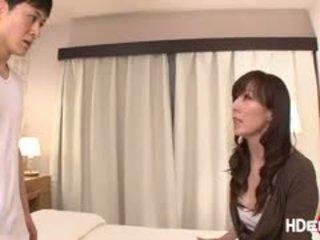 Gorące japenese reiko gets a score pieprzenie