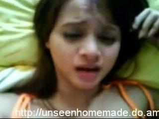 Malay lesbietes un vāvere rubbing video
