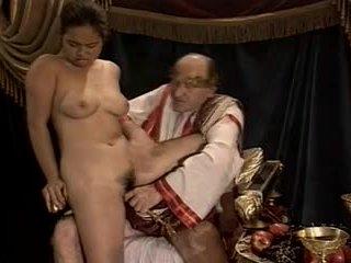 Asiatiskapojke ung flicka gjutning gjort av äldre & fett morfar