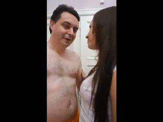 Andrea diprè fucks sebuah kuba gadis (yuri)