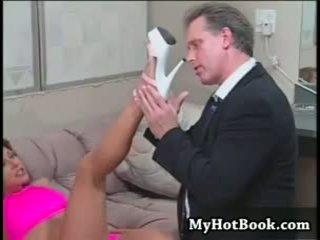 오럴 섹스, 큰 가슴, 발 페티쉬