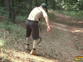 Scouts utendørs suging og knulling aktivitet