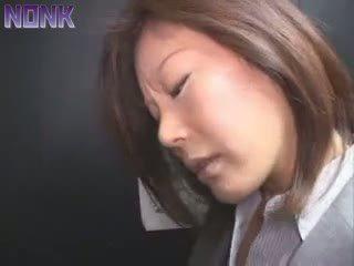 Opilý obchod žena was snadný prey pro elevator maniac