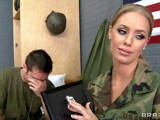 wojskowy, nicole aniston